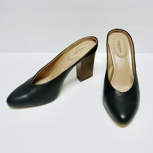 SALE Wendy Williams Collection Black Leather Mules